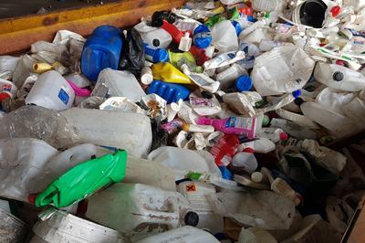Kemisk genanvendelse af plast skal være sidste udvej