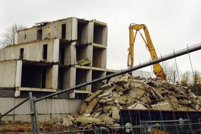 Håndtering af asbestholdigt affald, der også er farligt affald