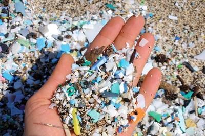 Førende, globale brands og detailhandlere skal tackle plastforurening